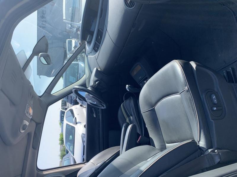Photo 5 de l'offre de RENAULT ESPACE IV 3.0 V6 DCI 180CH INITIALE BVA à 10690€ chez International Auto Auneau