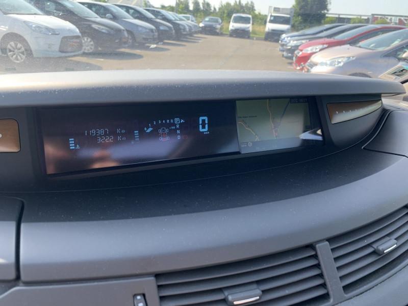 Photo 19 de l'offre de RENAULT ESPACE IV 3.0 V6 DCI 180CH INITIALE BVA à 10690€ chez International Auto Auneau