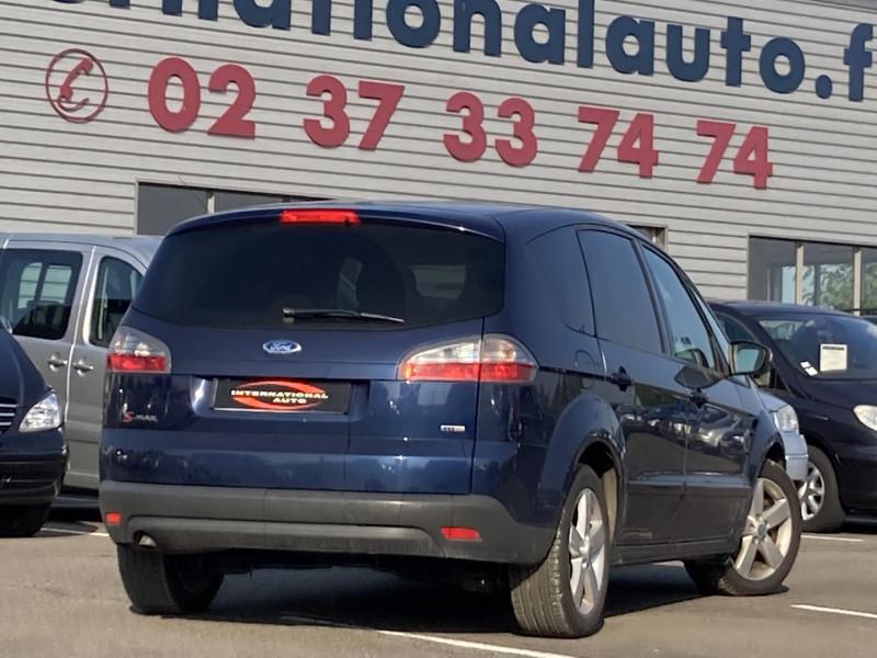 Photo 2 de l'offre de FORD S-MAX 2.0 TDCI 140CH DPF TITANIUM à 7590€ chez International Auto Auneau