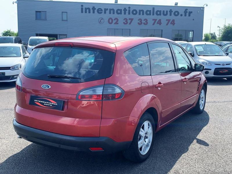 Photo 2 de l'offre de FORD S-MAX 2.0 TDCI 140CH DPF TITANIUM à 7790€ chez International Auto Auneau