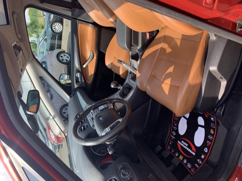 Photo 3 de l'offre de FORD S-MAX 2.0 TDCI 140CH DPF TITANIUM à 7790€ chez International Auto Auneau