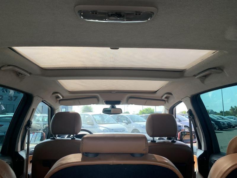 Photo 15 de l'offre de FORD S-MAX 2.0 TDCI 140CH DPF TITANIUM à 7790€ chez International Auto Auneau