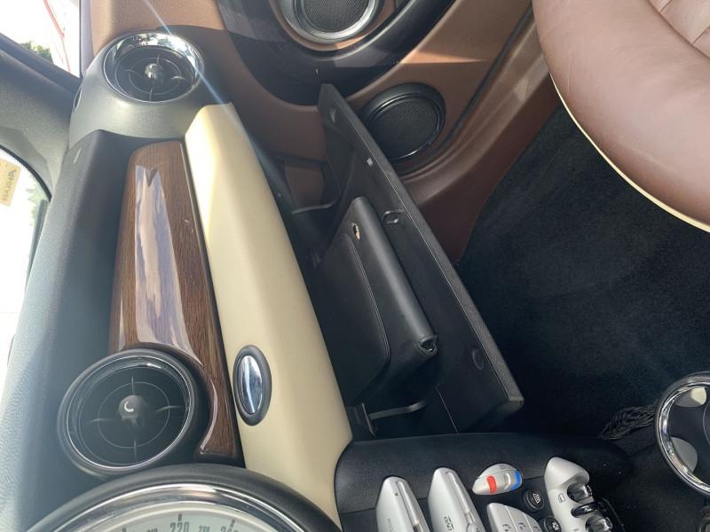 Photo 13 de l'offre de MINI CLUBMAN COOPER S 175CH à 9990€ chez International Auto Auneau
