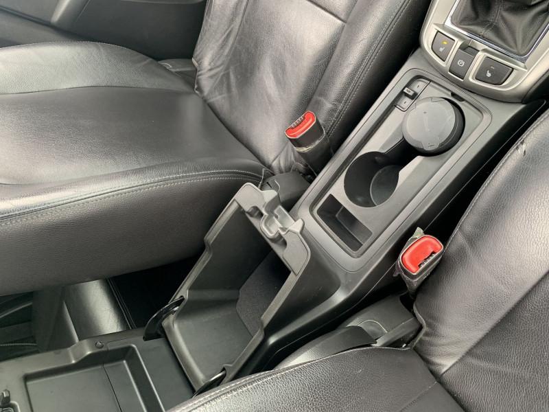 Photo 6 de l'offre de CHEVROLET CAPTIVA 2.2 VCDI163 LT+ FWD à 11590€ chez International Auto Auneau