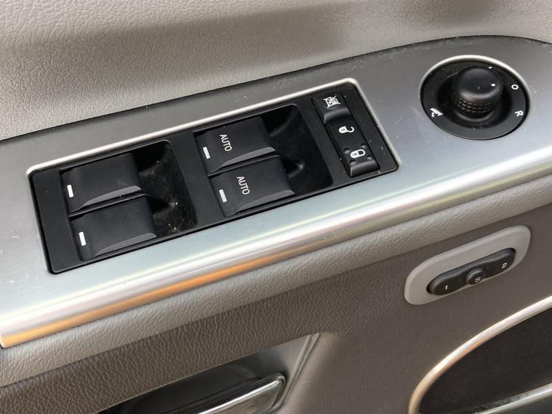 Photo 5 de l'offre de JEEP GRAND CHEROKEE 3.0 CRD LIMITED à 12490€ chez International Auto Auneau