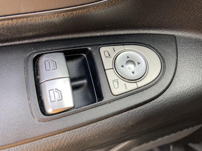 Photo 3 de l'offre de MERCEDES-BENZ VITO 116 CDI BLUEEFFICIENCY TOURER EXTRA-LONG PRO 7G-TRONIC PLUS à 33290€ chez International Auto Auneau
