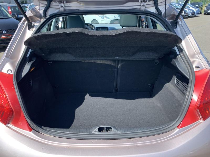 Photo 16 de l'offre de PEUGEOT 208 1.6 VTI ALLURE 5P à 8690€ chez International Auto Auneau