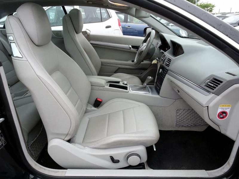 Photo 15 de l'offre de MERCEDES-BENZ CLASSE E COUPE (C207) 350 CDI EXECUTIVE BE BA à 15890€ chez International Auto Auneau