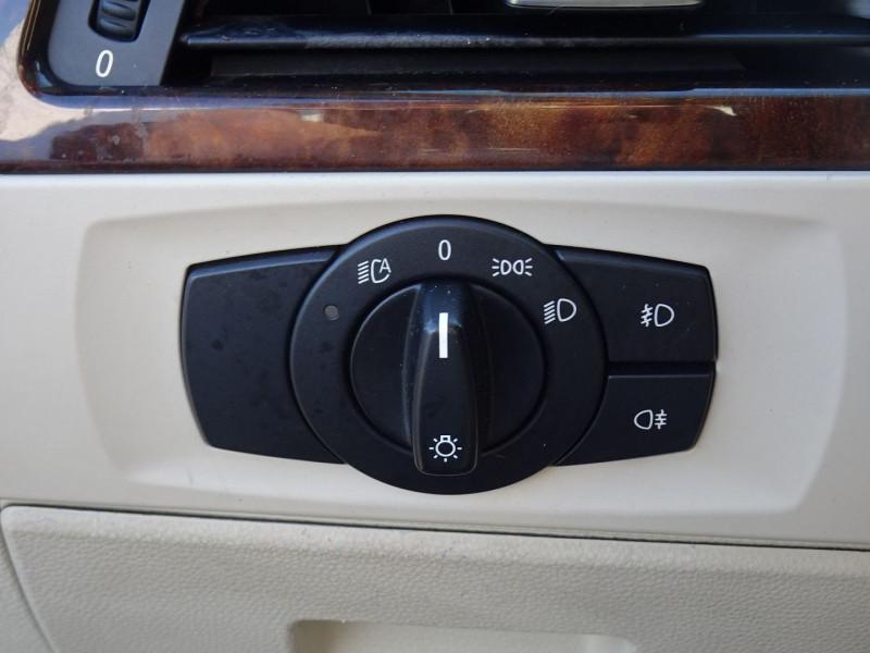 Photo 4 de l'offre de BMW SERIE 3 COUPE (E92) 325IA 218CH LUXE à 11890€ chez International Auto Auneau