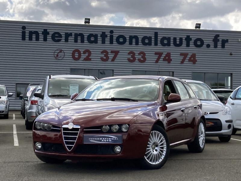 Photo 17 de l'offre de ALFA ROMEO 159 SW 2.4 JTD200 20V SELECTIVE QTRONIC à 8890€ chez International Auto Auneau