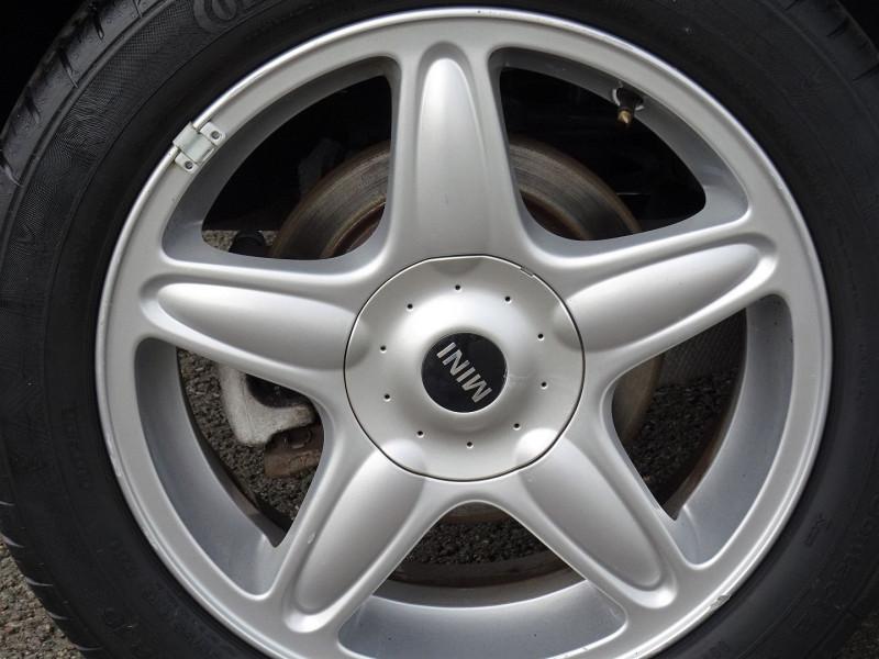 Photo 10 de l'offre de MINI MINI COOPER D 110CH à 9890€ chez International Auto Auneau