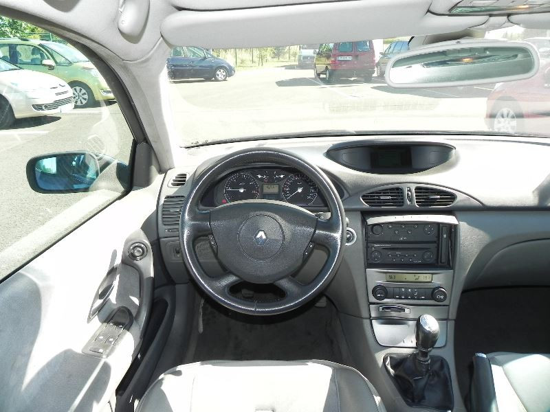 Photo 7 de l'offre de RENAULT LAGUNA II 2.2 DCI 150CH PRIVILEGE à 2990€ chez International Auto Auneau
