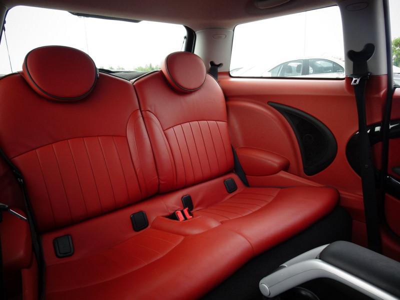 Photo 7 de l'offre de MINI MINI COOPER D 110CH à 9890€ chez International Auto Auneau