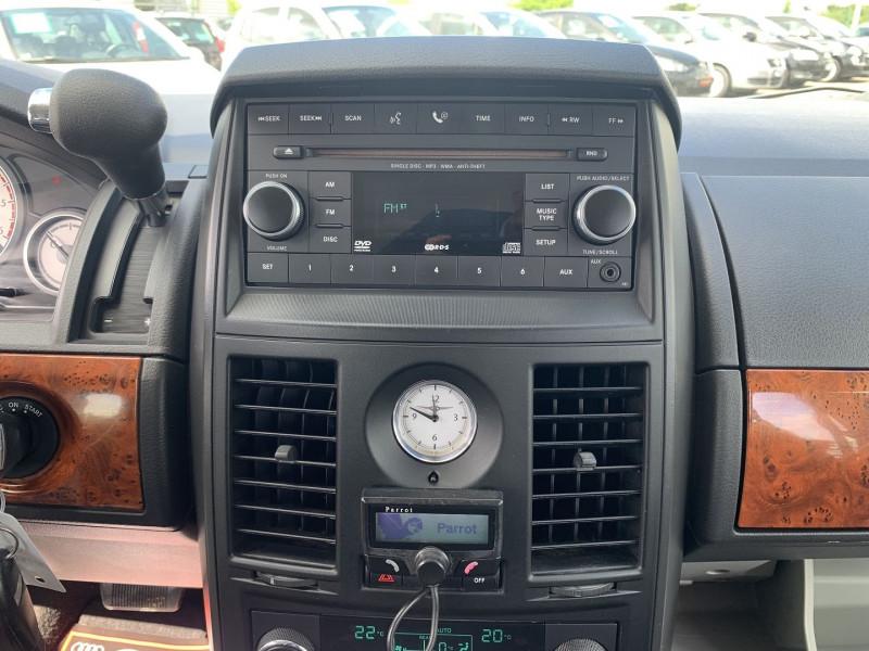 Photo 9 de l'offre de CHRYSLER GRAND VOYAGER 2.8 CRD LX BA à 10890€ chez International Auto Auneau
