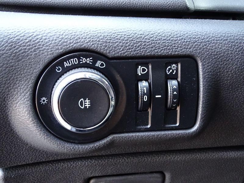 Photo 7 de l'offre de OPEL ASTRA 1.7 CDTI110 FAP BLACK & WHITE à 7890€ chez International Auto Auneau