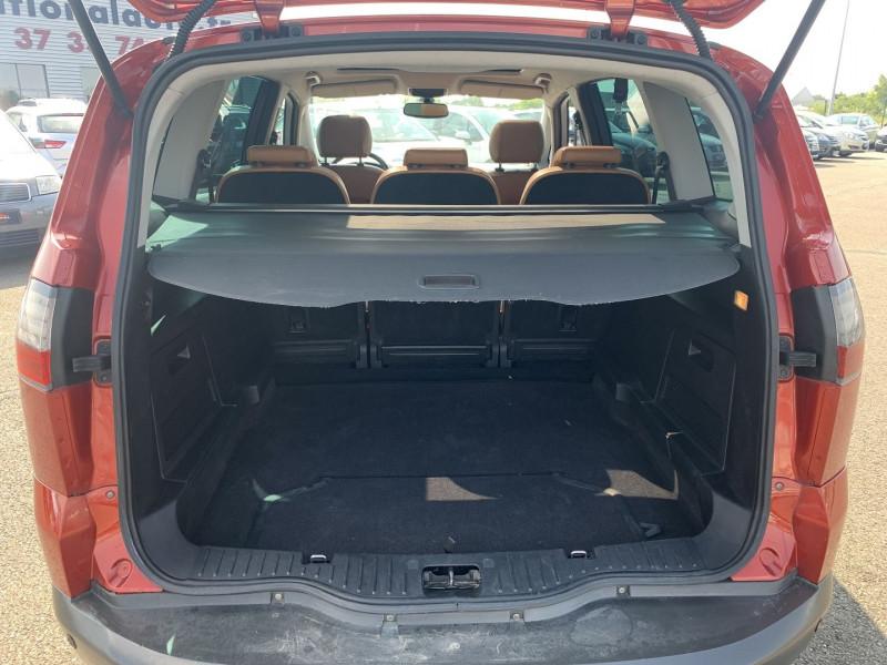 Photo 13 de l'offre de FORD S-MAX 2.0 TDCI 140CH DPF TITANIUM à 7790€ chez International Auto Auneau
