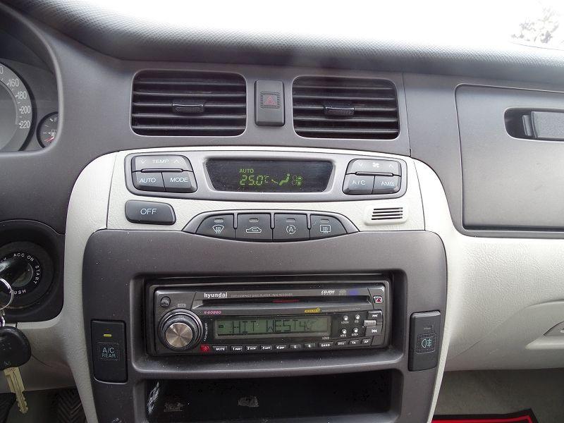 Photo 5 de l'offre de HYUNDAI TRAJET 2.0 CRDI PACK CONFORT à 4290€ chez International Auto Auneau