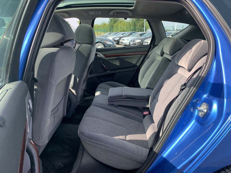 Photo 8 de l'offre de PEUGEOT 407 SW 2.0 HDI136 EXECUTIVE PACK à 4590€ chez International Auto Auneau