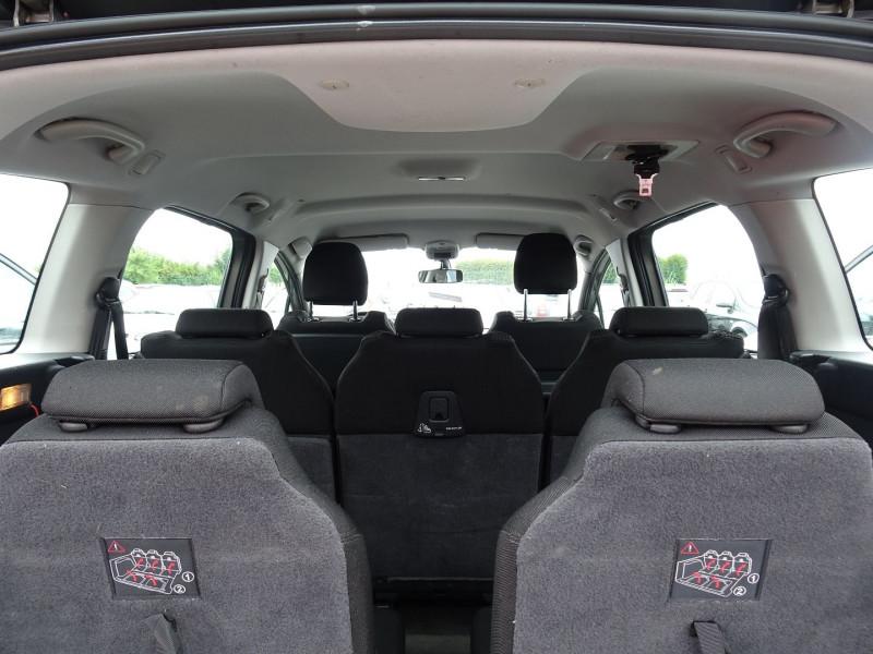 Photo 15 de l'offre de PEUGEOT 5008 1.6 HDI FAP CONFORT PACK 7PL à 3590€ chez International Auto Auneau