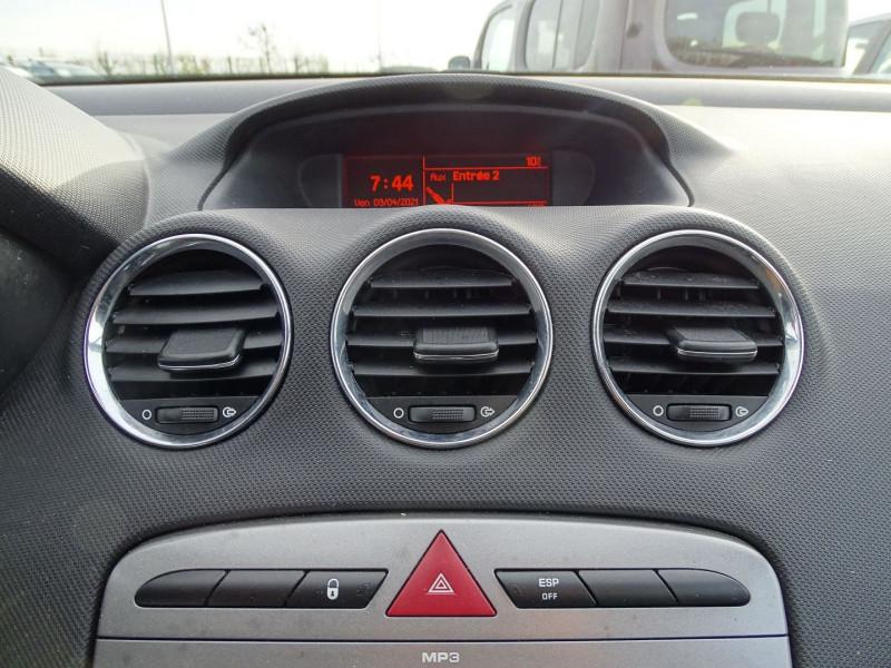 Photo 14 de l'offre de PEUGEOT 308 1.6 THP 16V PREMIUM PACK BAA 5P à 7890€ chez International Auto Auneau