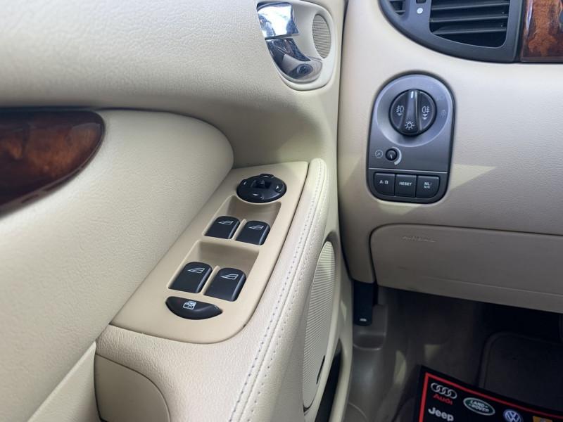 Photo 13 de l'offre de JAGUAR X-TYPE 3.0 V6 EXECUTIVE à 8790€ chez International Auto Auneau