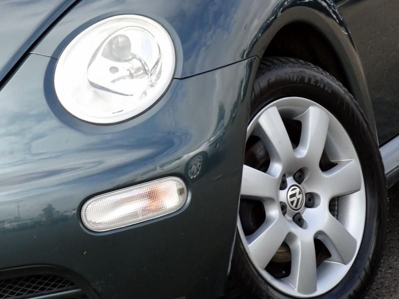Photo 4 de l'offre de VOLKSWAGEN BEETLE CAB 2.0 115CH CARAT à 9790€ chez International Auto Auneau