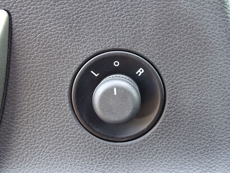 Photo 6 de l'offre de OPEL ASTRA 1.7 CDTI110 FAP BLACK & WHITE à 7890€ chez International Auto Auneau