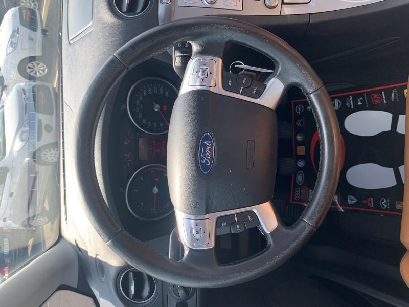 Photo 11 de l'offre de FORD S-MAX 2.0 TDCI 140CH DPF TITANIUM à 7790€ chez International Auto Auneau