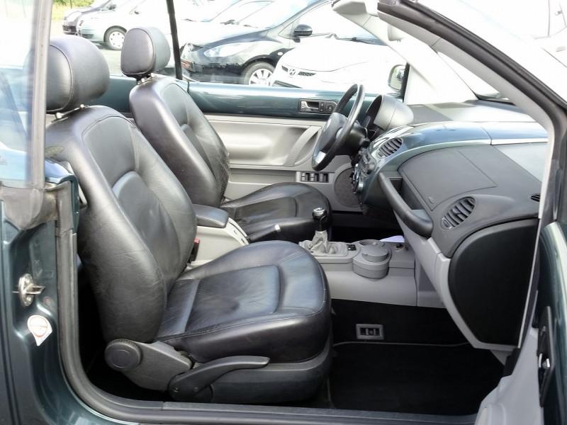 Photo 14 de l'offre de VOLKSWAGEN BEETLE CAB 2.0 115CH CARAT à 9790€ chez International Auto Auneau