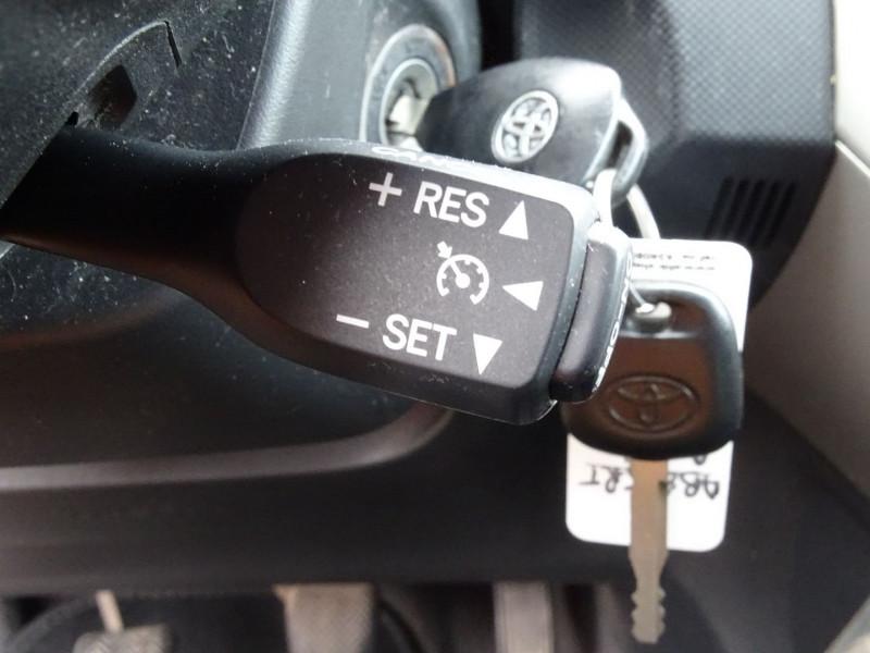 Photo 7 de l'offre de TOYOTA AURIS 126 D-4D FAP DYNAMIC PACK GPS 5P à 6890€ chez International Auto Auneau