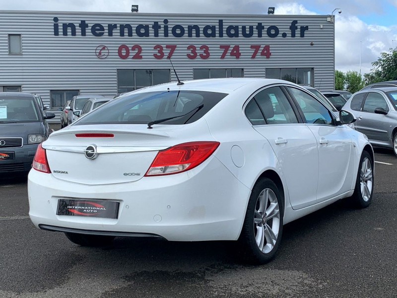 Photo 2 de l'offre de OPEL INSIGNIA 2.0 CDTI160 FAP COSMO 5P à 8890€ chez International Auto Auneau