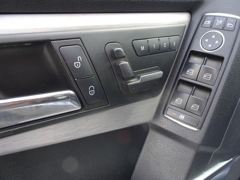 Photo 14 de l'offre de MERCEDES-BENZ CLASSE GLK (X204) 280 PACK SPORT 4 MATIC à 13490€ chez International Auto Auneau