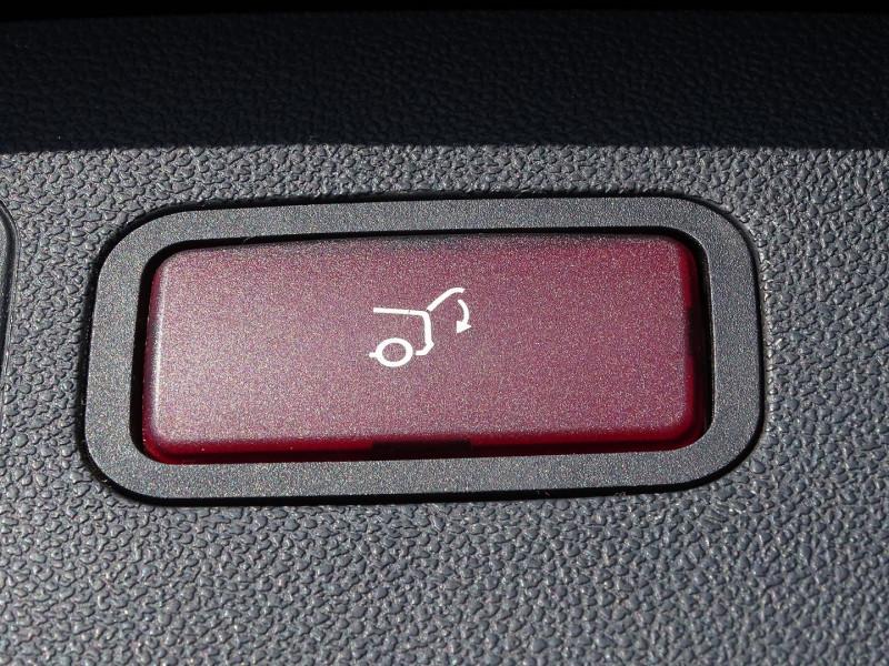 Photo 12 de l'offre de MERCEDES-BENZ CLASSE R (W251) 320 CDI PACK LUXE 7GTRO à 10490€ chez International Auto Auneau
