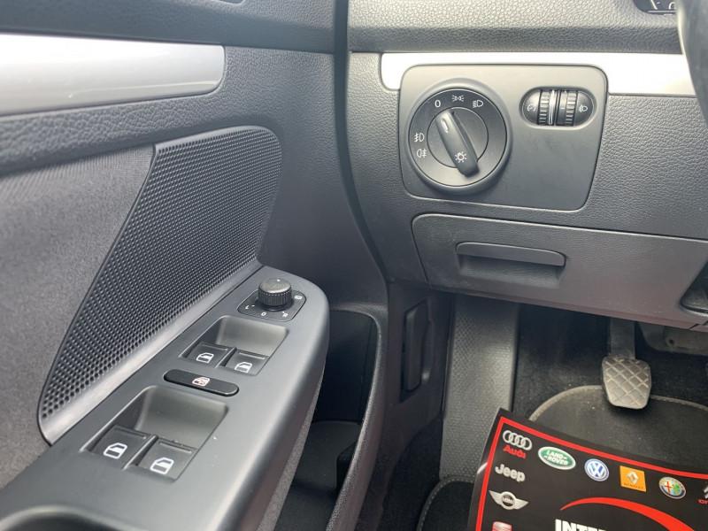 Photo 11 de l'offre de VOLKSWAGEN JETTA 1.6 TDI 105CH FAP TRENDLINE à 6690€ chez International Auto Auneau