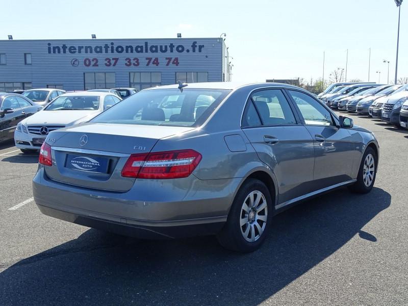Photo 2 de l'offre de MERCEDES-BENZ CLASSE E (W212) 250 CDI BE ELEGANCE EXECUTIVE à 12690€ chez International Auto Auneau