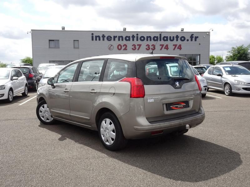 Photo 2 de l'offre de PEUGEOT 5008 1.6 HDI FAP CONFORT PACK 7PL à 3590€ chez International Auto Auneau