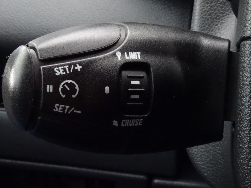 Photo 11 de l'offre de PEUGEOT 5008 1.6 HDI FAP CONFORT PACK 7PL à 3590€ chez International Auto Auneau