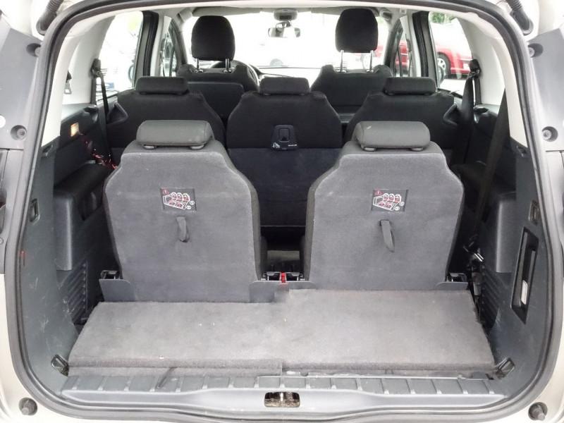 Photo 12 de l'offre de PEUGEOT 5008 1.6 HDI FAP CONFORT PACK 7PL à 3590€ chez International Auto Auneau