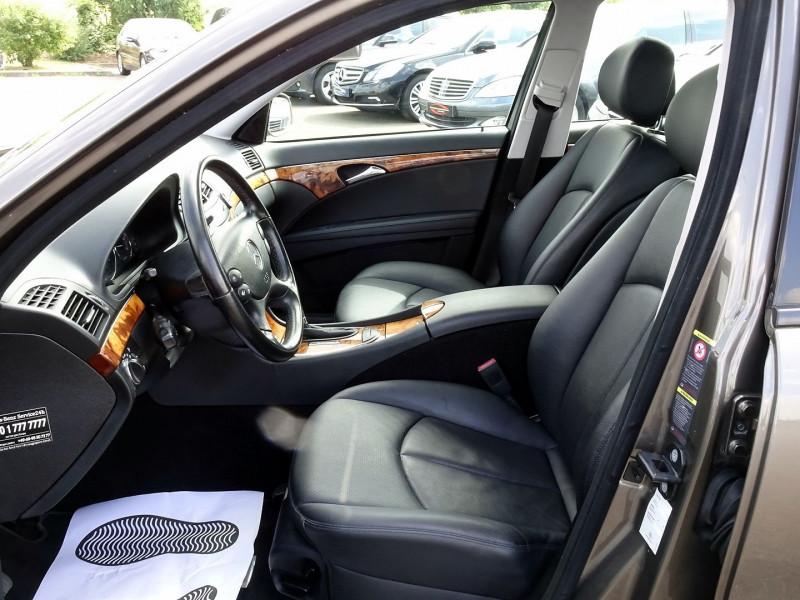 Photo 10 de l'offre de MERCEDES-BENZ CLASSE E BREAK (S211) 200 CDI ELEGANCE OPTIMUM BA à 10990€ chez International Auto Auneau