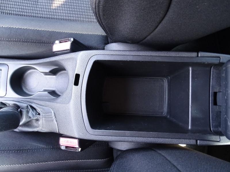 Photo 13 de l'offre de PEUGEOT 308 1.6 VTI 16V PREMIUM 3P à 5490€ chez International Auto Auneau