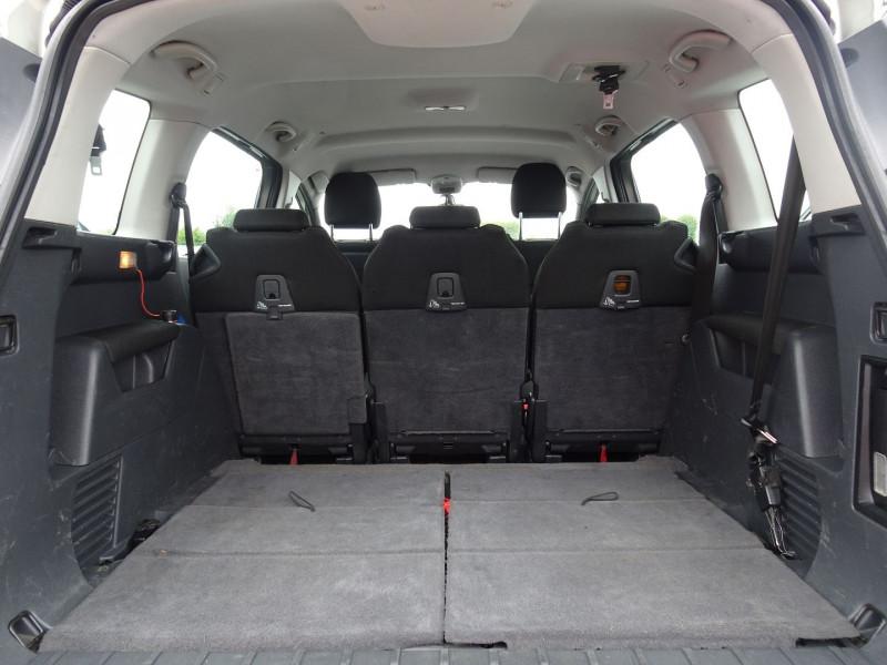 Photo 14 de l'offre de PEUGEOT 5008 1.6 HDI FAP CONFORT PACK 7PL à 3590€ chez International Auto Auneau