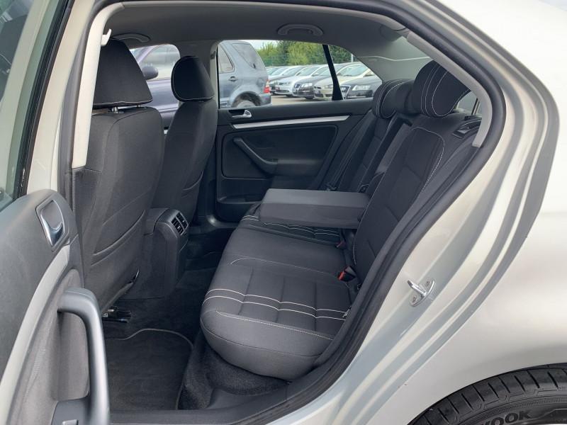 Photo 7 de l'offre de VOLKSWAGEN JETTA 1.6 TDI 105CH FAP TRENDLINE à 6690€ chez International Auto Auneau