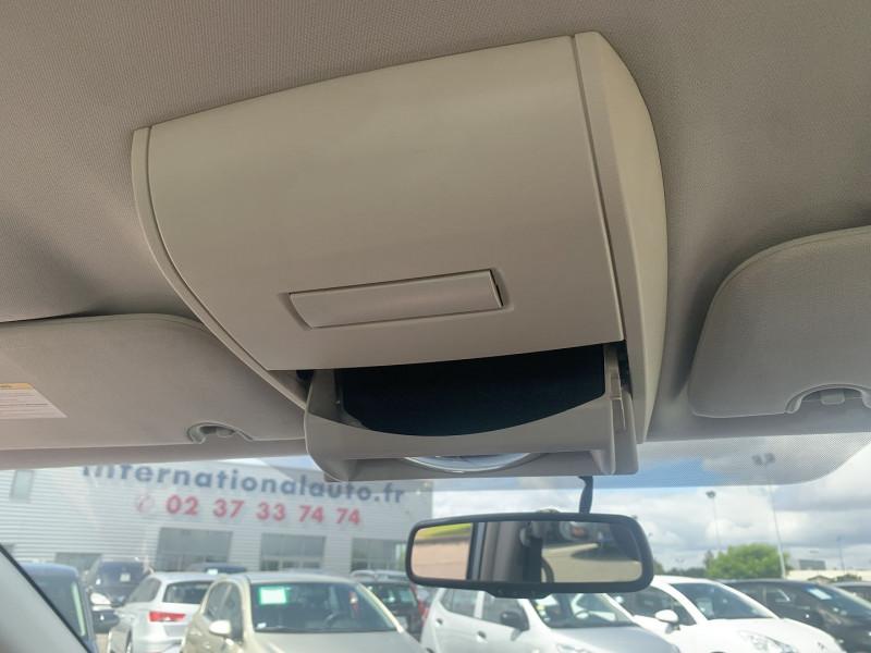 Photo 10 de l'offre de CHRYSLER GRAND VOYAGER 2.8 CRD LX BA à 10890€ chez International Auto Auneau