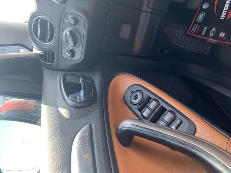 Photo 10 de l'offre de FORD S-MAX 2.0 TDCI 140CH DPF TITANIUM à 7790€ chez International Auto Auneau