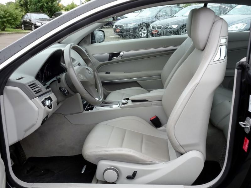 Photo 5 de l'offre de MERCEDES-BENZ CLASSE E COUPE (C207) 350 CDI EXECUTIVE BE BA à 15890€ chez International Auto Auneau