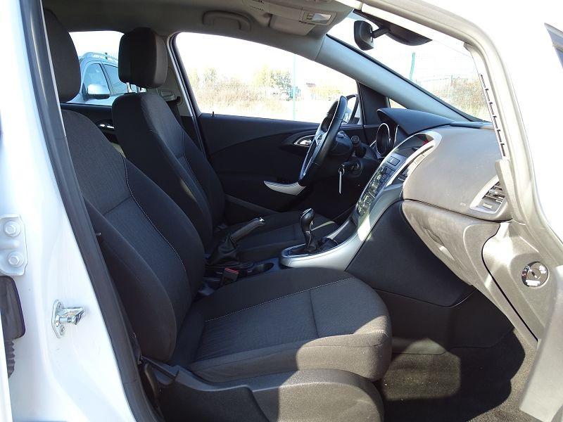 Photo 13 de l'offre de OPEL ASTRA 1.7 CDTI110 FAP BLACK & WHITE à 7890€ chez International Auto Auneau