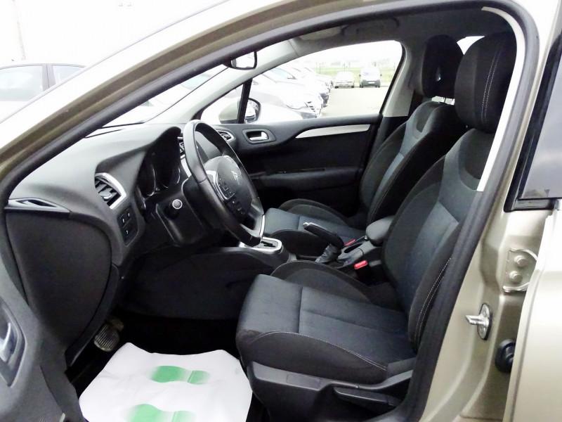 Photo 6 de l'offre de CITROEN C4 1.6 VTI 120CH CONFORT BVA à 8890€ chez International Auto Auneau