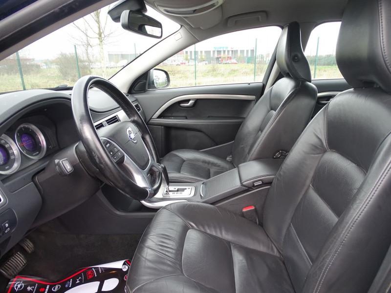 Photo 3 de l'offre de VOLVO V70 D3 163CH MOMENTUM GEARTRONIC à 6790€ chez International Auto Auneau