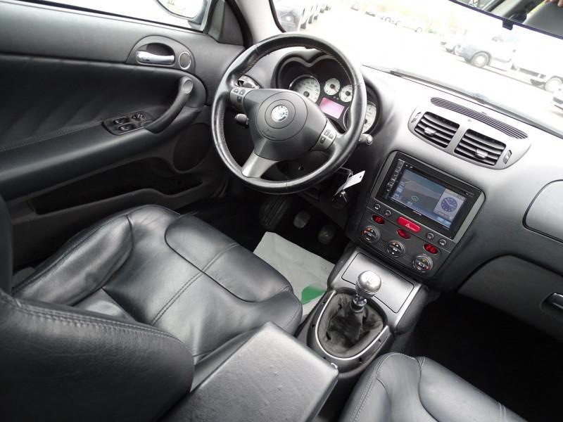 Photo 10 de l'offre de ALFA ROMEO GT 1.9 JTD150 MULTIJET SELECTIVE à 7790€ chez International Auto Auneau