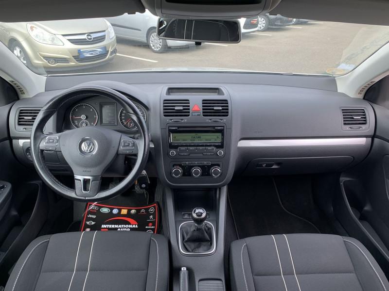 Photo 8 de l'offre de VOLKSWAGEN JETTA 1.6 TDI 105CH FAP TRENDLINE à 6690€ chez International Auto Auneau